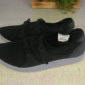 Nike air men's shoes size 11 color black.